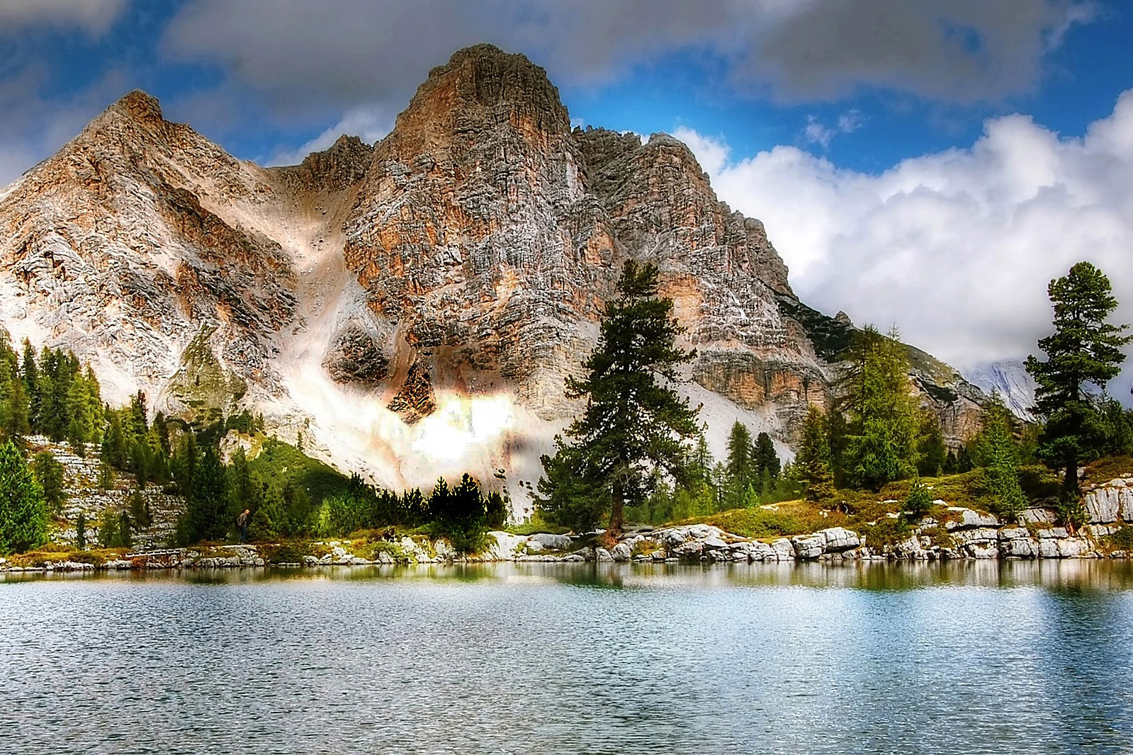 can_dolomites-2371179_1920