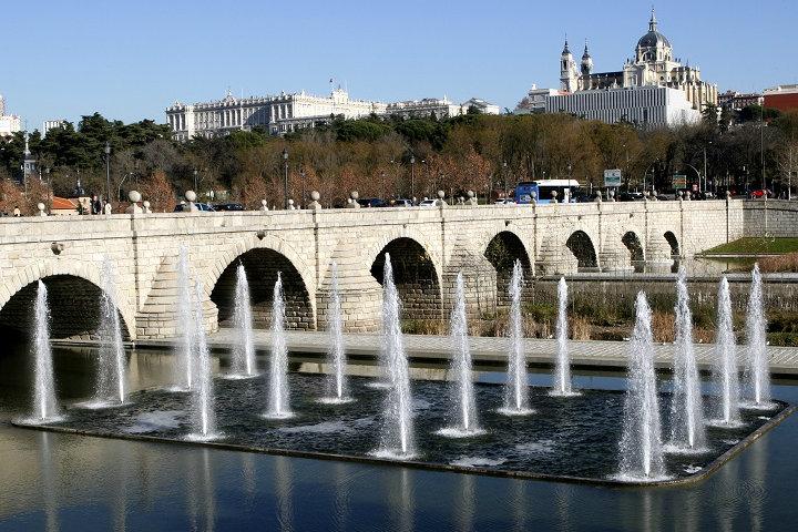 Puente de Segovia España. Foto Distrito Castellana Norte
