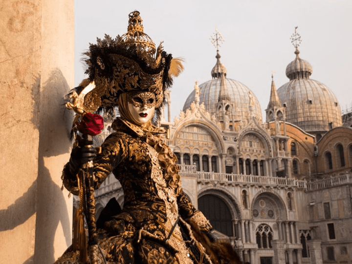 Tour a Italia
