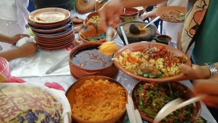Viaje de solteros/Cocineras tradicionales El Llanito Guanajuato Foto: Rehiletes.com